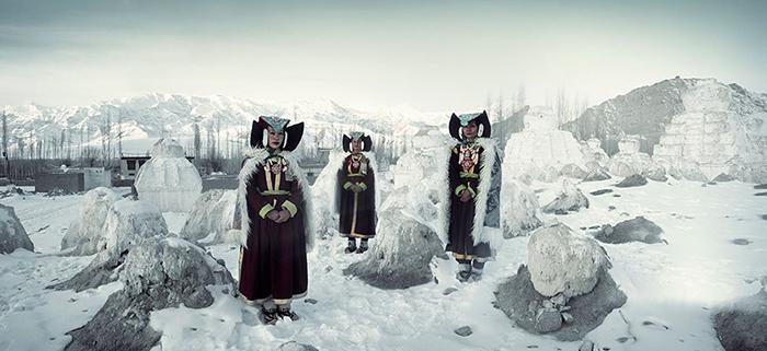 Женщины Перак, монастырь Тиксе, Индия.